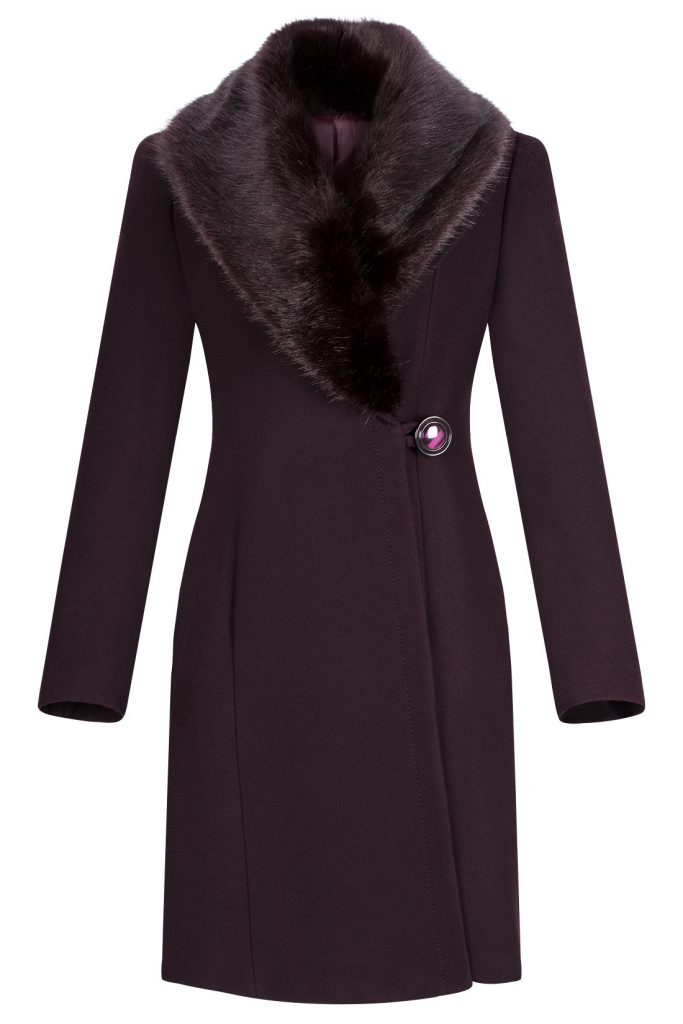 płaszcz z lisem..